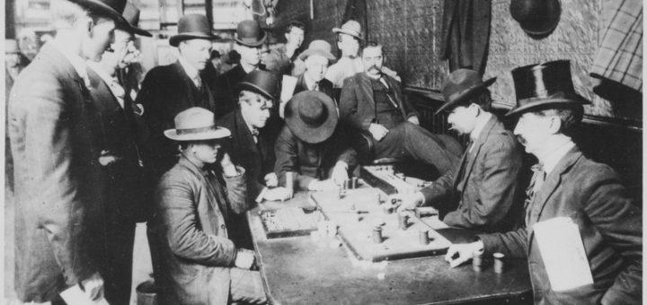 Des saloons enfumés au confort de son canapé: l'évolution du poker