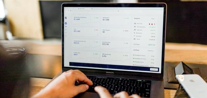 austin distel 744oGeqpxPQ unsplash o - Les plateformes de marketing automatisé : outils déterminants pour un business en ligne
